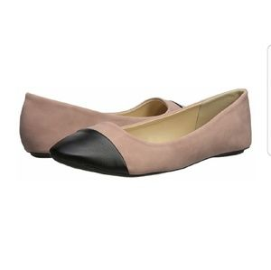 THESSALY Classic Tone Tone Pointed Toe Flats